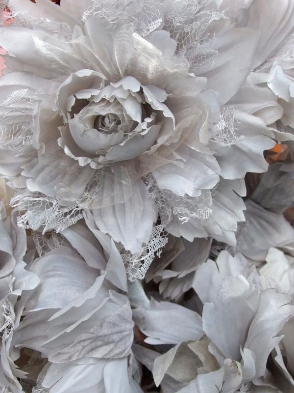 Květy s krajkou - něco úplně nového....