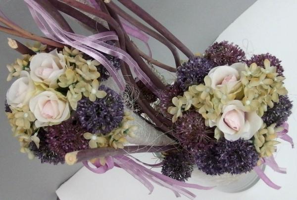 Dekorace do vázy v tlumených barvách